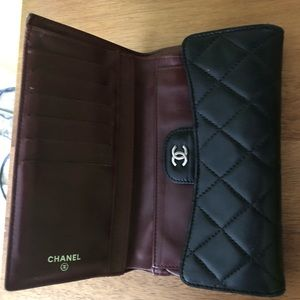 2007 Black quilted Chanel wallet